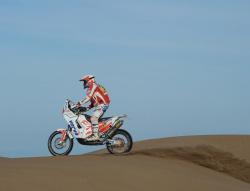 Dakar 2011: Hołowczyc na piątkę, trudna nawigacja dla motocykli
