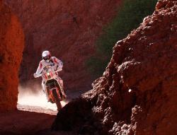 Dakar 2011: Z przygodami ale do przodu