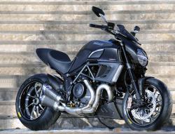 Diabelska kolekcja dla Ducati Diavel
